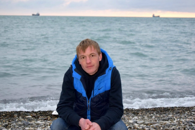 Фёдор Иванов на берегу Чёрного моря в Туапсе.
