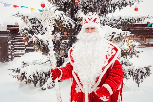 15 декабря открылись сказочные владения Деда Мороза в Большеречье.