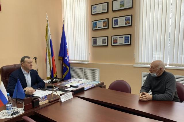 Все вопросы, прозвучавшие в рамках общественного приема, взяты на личный контроль Олега Димова.