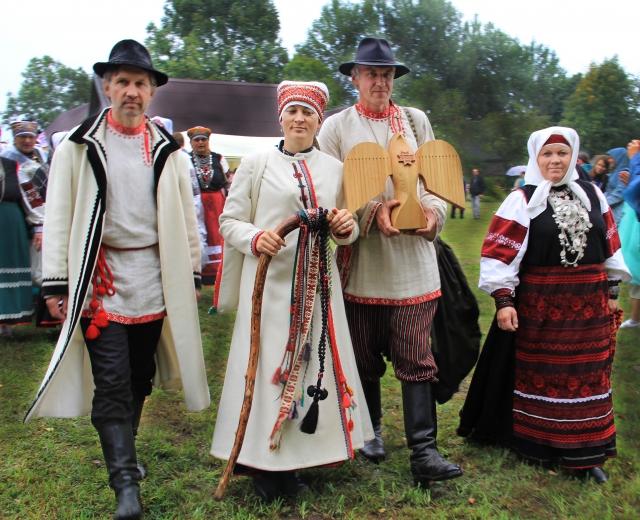 Королева Сето Яне Вабарна на фестивале в Сигово.