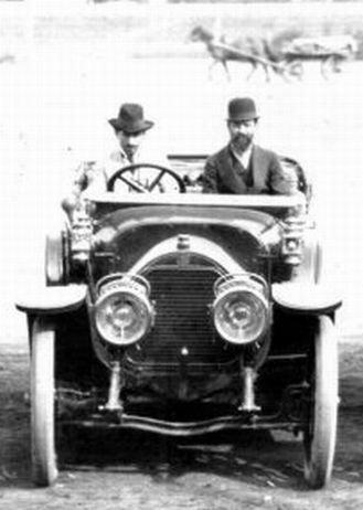 П. Н. Беляев и П. П. Бекель на автомобиле Gobron-Brillie 30 CV, 1911 год.