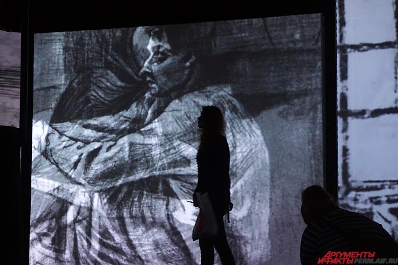 На экспозиции представлены и архивные фотографии, связанные с жизнью художника.