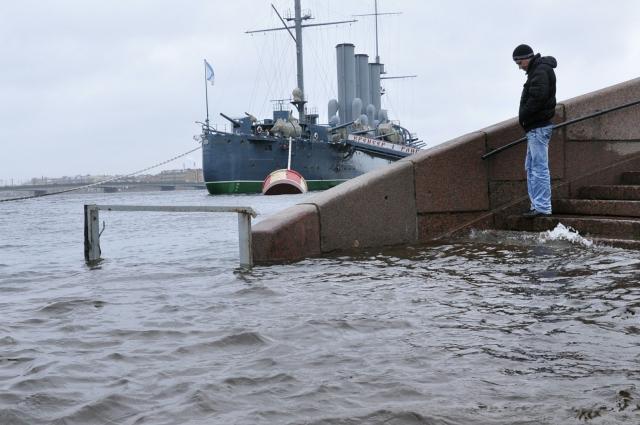 В Петербурге легко можно почувствовать себя одиноким.