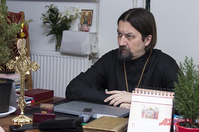 Интервью с протоиереем Максимом Козловым