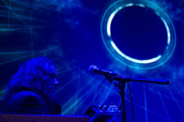 По словам Квешинга, главное для него - служение музыке.