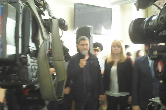 Собственник здания Булат Нагаев обещает отремонтировать его за два месяца.
