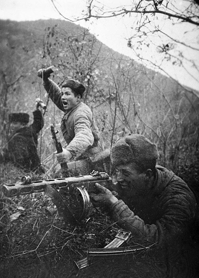 Морские пехотинцы в боях под Туапсе, 1942 г.