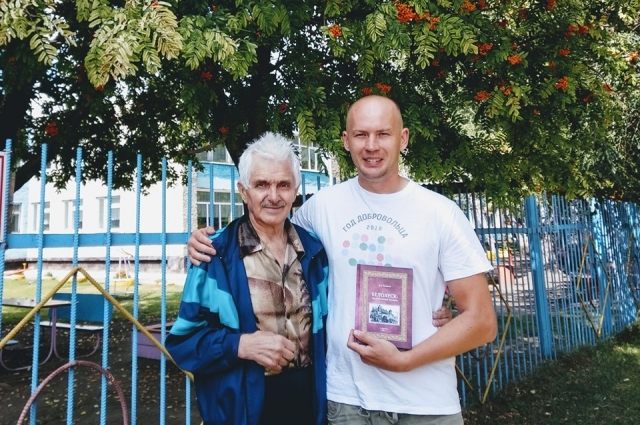 Валерий Полянин слева