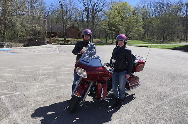 Михаил и Ольга часто путешествуют по Америке на мотоцикле.