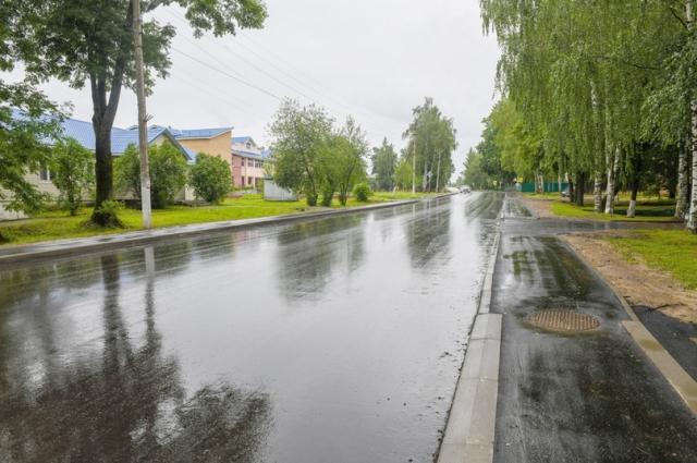 Впервые за долгое время на улице Ленина проходит полноценный ремонт дороги.