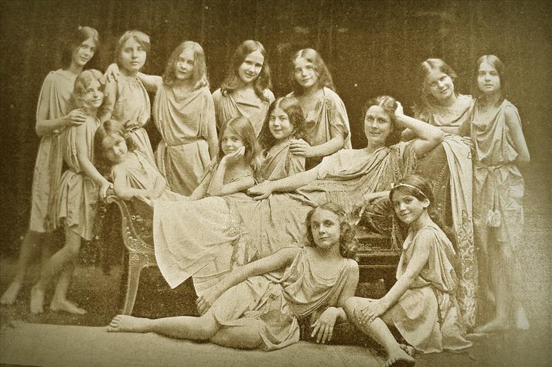 Айседора Дункан и её школа танцев. 1909 год