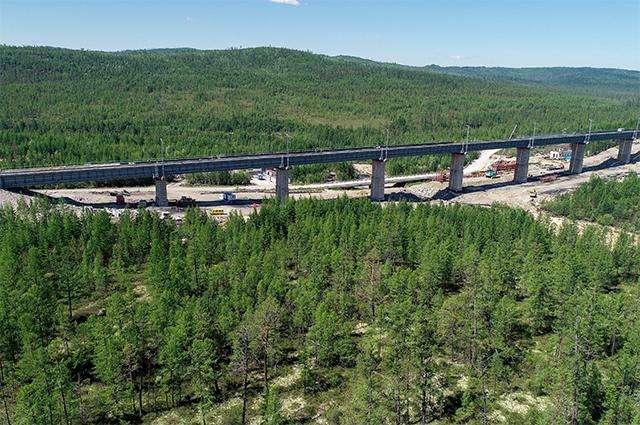 Реконструкция железнодорожного моста через реку Кованта в рамках строительства второй очереди Байкало-Амурской магистрали на перегоне Кутыкан-Кувыкта.