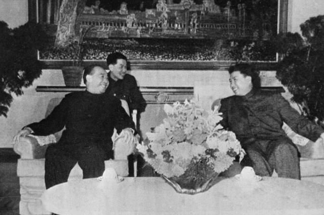 Демократическая Республика Кампучия (Камбоджа). Официальный визит партийно-правительственной делегации Китая (5 9 ноября 1978 года). Встреча Пол Пота и Ван Дунсина