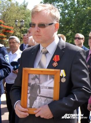 Лев Берников.
