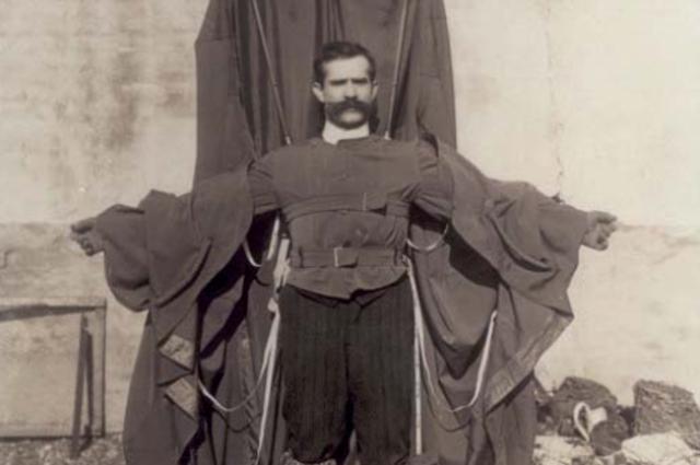 Франц Райхельт и его «плащ-парашют».