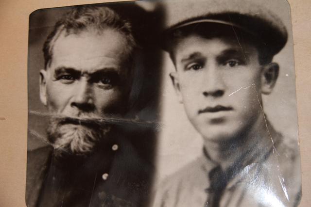 Один из трех вернувшхися Борис Егоров.