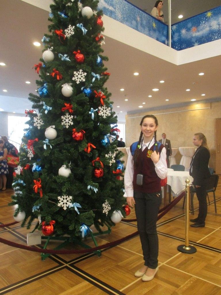 Арина Ворфоломеева посетила Кремлевскую елку в 2014 году.