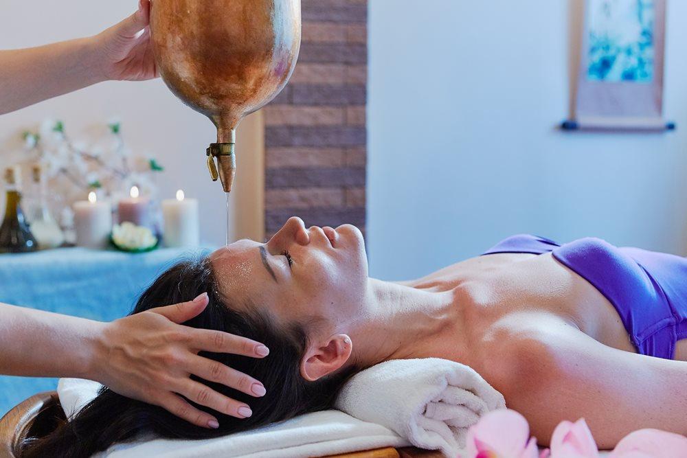 Тёплое масло и умиротворяющая атмосфера позволяют полностью расслабиться.