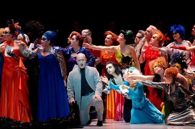 Действие оперы Бал-маскарад Джузеппе Верди в Дрездене