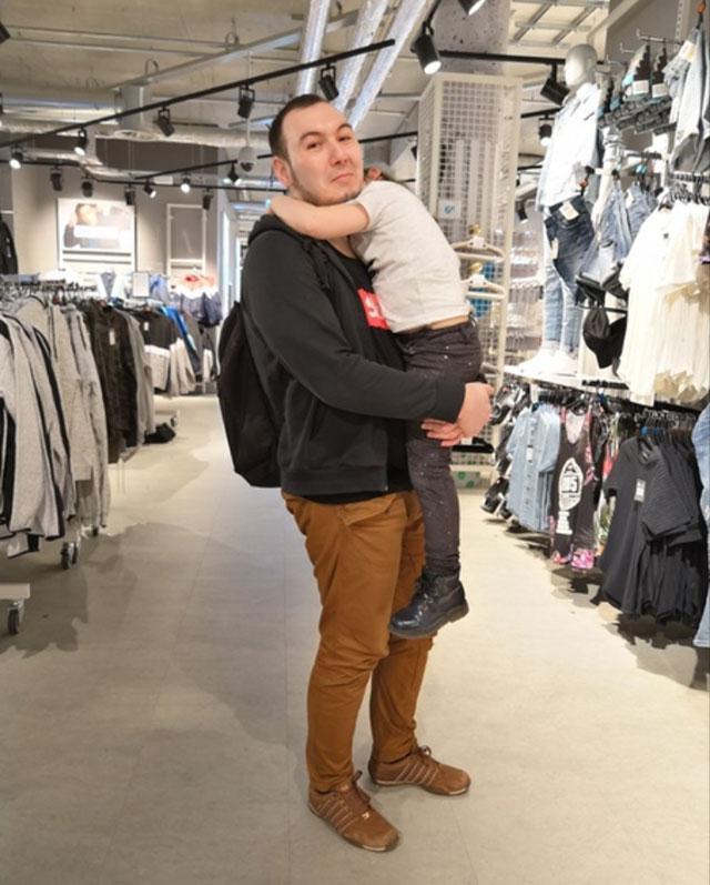 Булат обожает свою дочь.