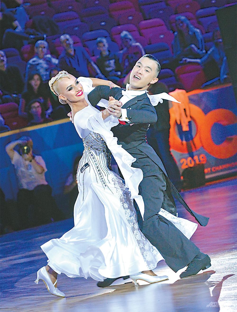У. Там и А. Новикова увезут «золото» двоеборья в Канаду.