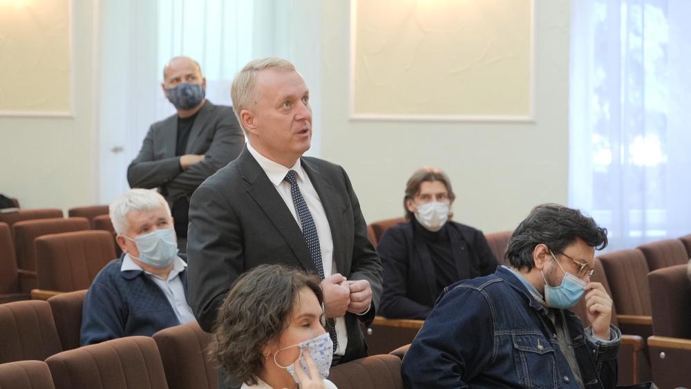 В ходе встречи были озвучены предложения по пересмотру проекта застройки.