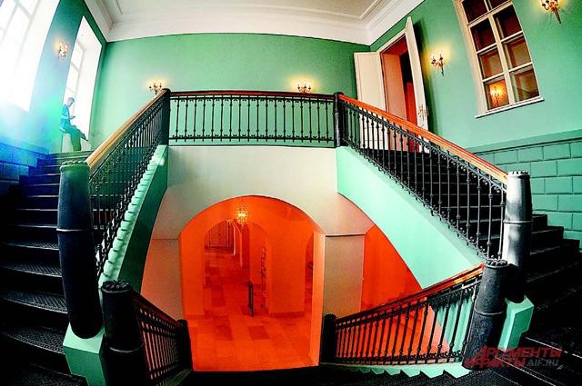 Лестницам вернули первоначальный вид