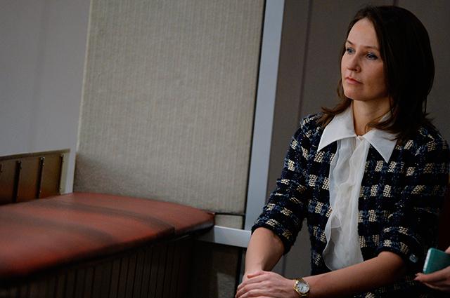 Супруга министра промышленности и торговли РФ Дениса Мантурова Наталья на пленарном заседании нижней палаты российского парламента.