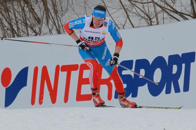 Максим Вылегжанин на дистанции 15 км на этапе Кубка мира