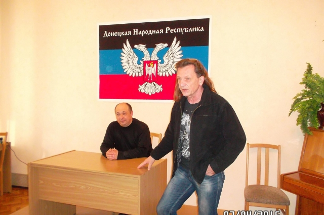 Сергей Шведко с известным на Донбассе поэтом, писателем и бардом Владимиром Скобцовым.
