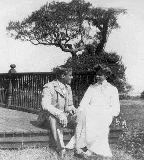 Франклин Рузвельт с будущей женой Элеонорой на острове Кампобелло (Канада) в 1904 году.