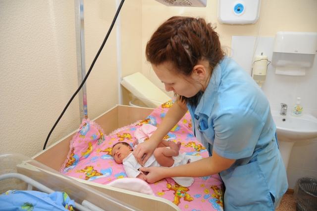 10 390 рублей - сумма выплаты за первого ребенка в 2018 году.