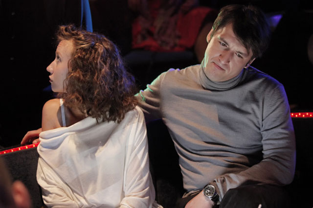 Вильма Кутавичюте и Артур Смольянинов во время съёмок фильма режиссёра Алексея Учителя Восьмёрка в одном из ночных клубов Санкт-Петербурга, 2012 год