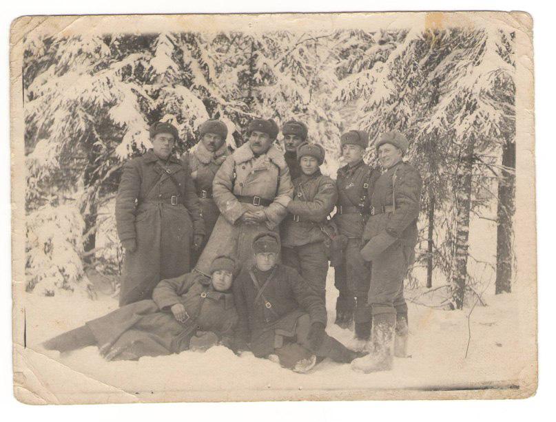 Святенко с сослуживцами