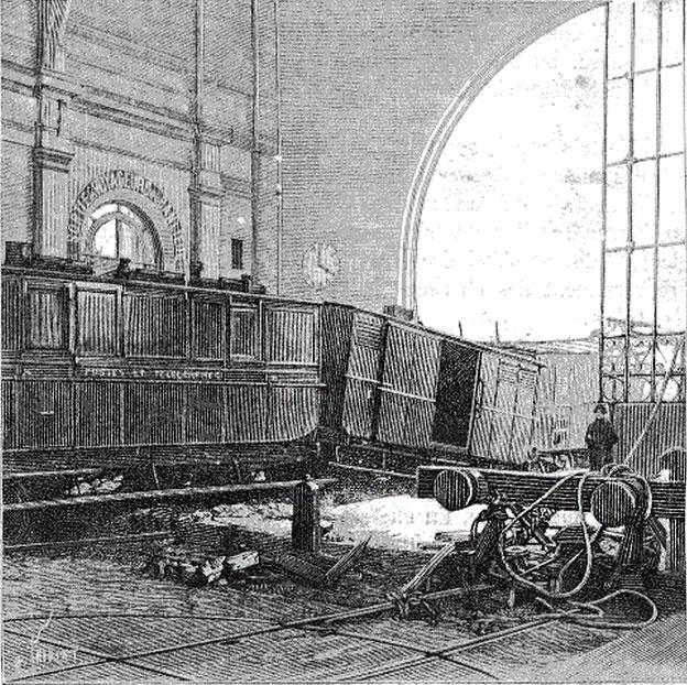 Крушение поезда на вокзале Монпарнас.