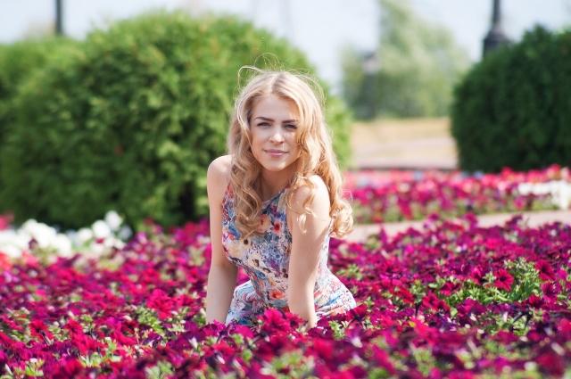 В столице девушка работала на бэк-вокале у Александра Панайотова, Ольги Кормухиной, Полины Гагариной.