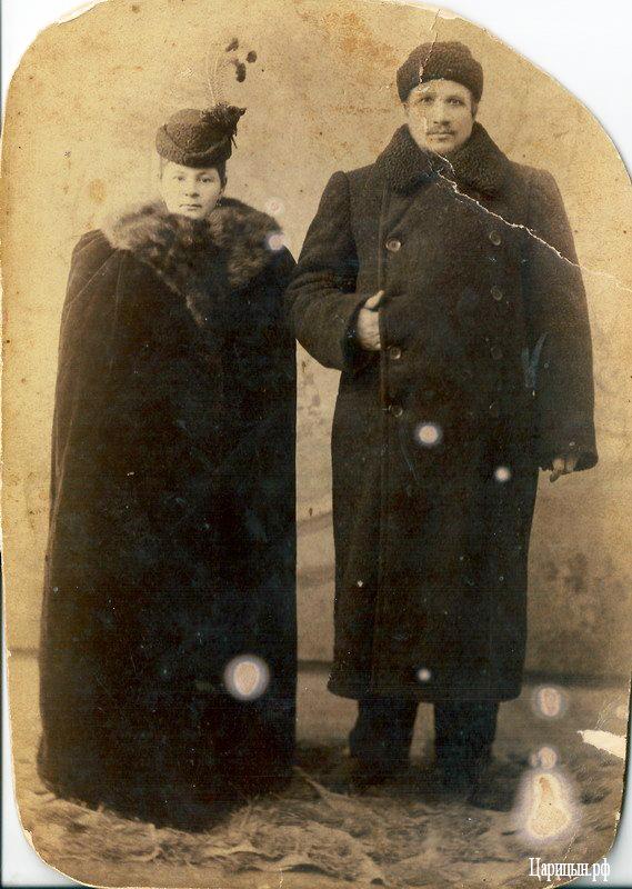 Владелец чугунолитейного предприятия Николай Бондин с супругой. Студентка Алена Селиванова изучила историю своего знатного рода.