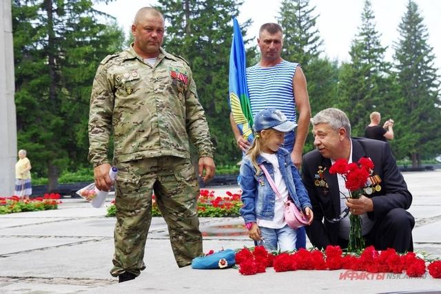 Бывшие солдаты ВДВ воспитывают подрастающее поколение патриотами.