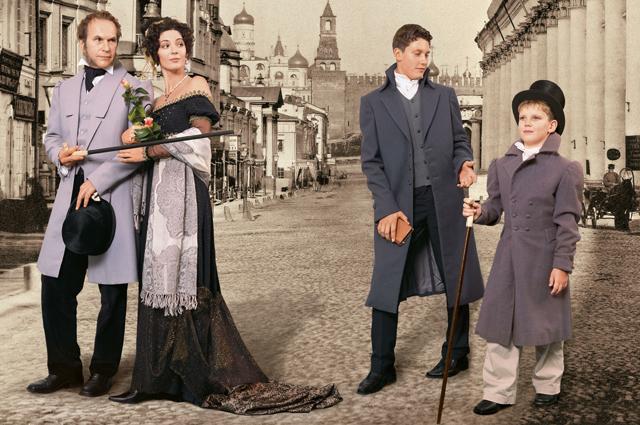 Лидия Вележева с мужем Алексеем Гуськовым и сыновьями Володей и Митей.