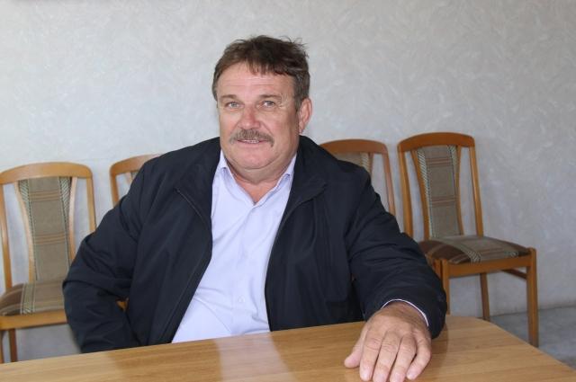 Владимир Воротынцев заведует техникой, технологиями, торговлей с покупателями.