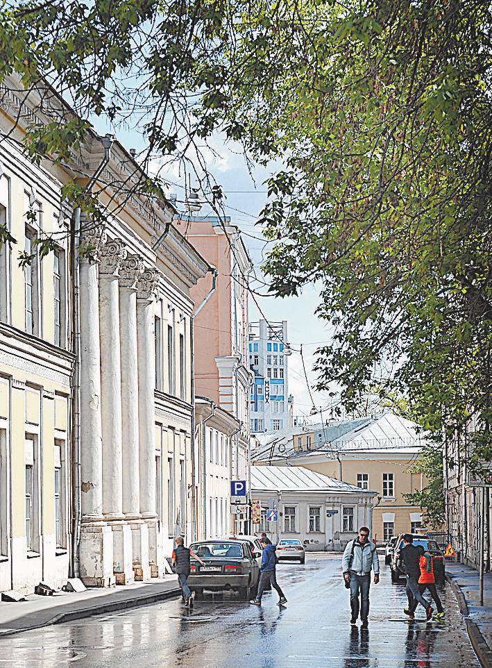 Здание, где расположен Институт США и Канады, было свидетелем пожара 1812 ггода