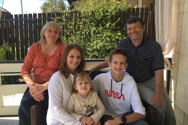 Анастасия Колесникова с семьей