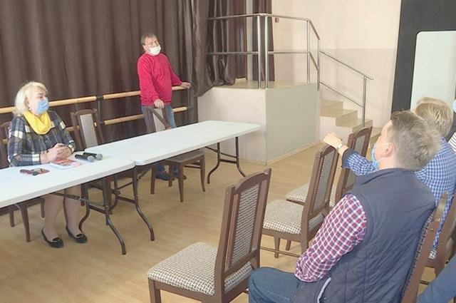 Труппе представили нового главного режиссёра Брянского театра юного зрителя.