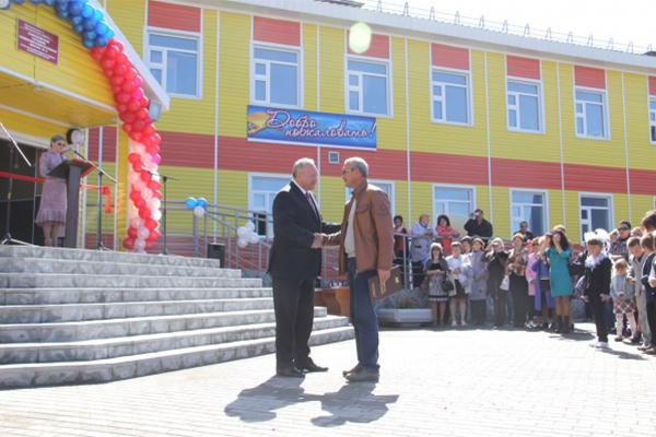 За школу Андрея Ленду благодарили первые лица края.