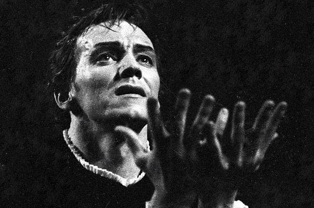 Народный артист РСФСР Марис Лиепа в роли принца из балета Петра Ильича Чайковского «Лебединое озеро».