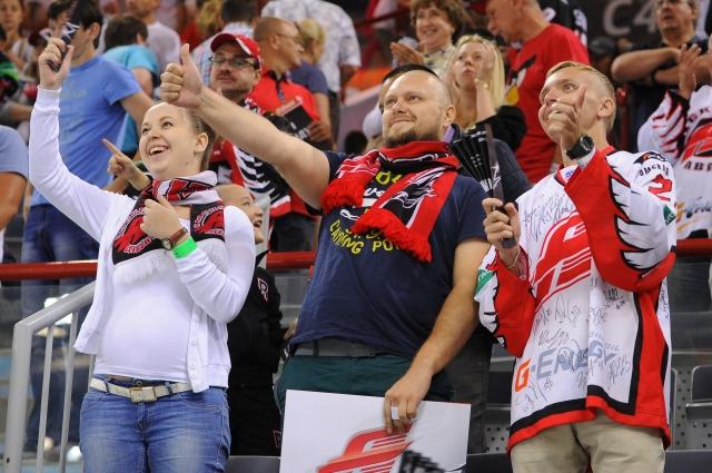 Фанаты в Омске преданы своей команде.
