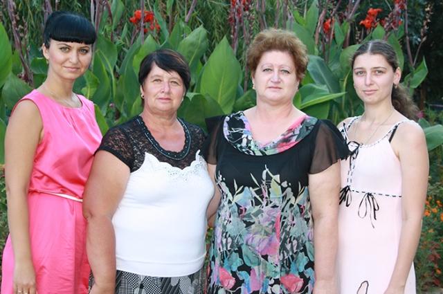 80 лет отдала семья Аникушкиных предприятию.