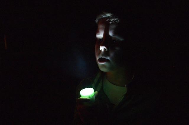 В полной темноте детям покажут добрую сказку про Умку.