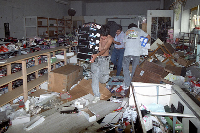 Мародеры, Лос-Анджелес, 1992 г.