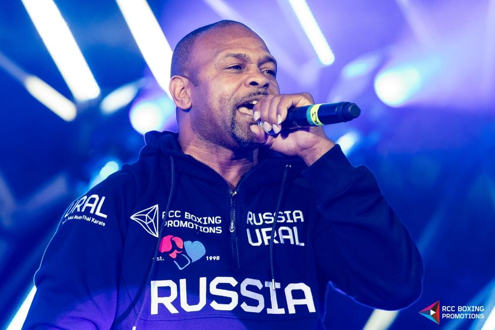 Экс-боксёр успешно реализовал себя на сцене в жанре рэп-исполнителя.